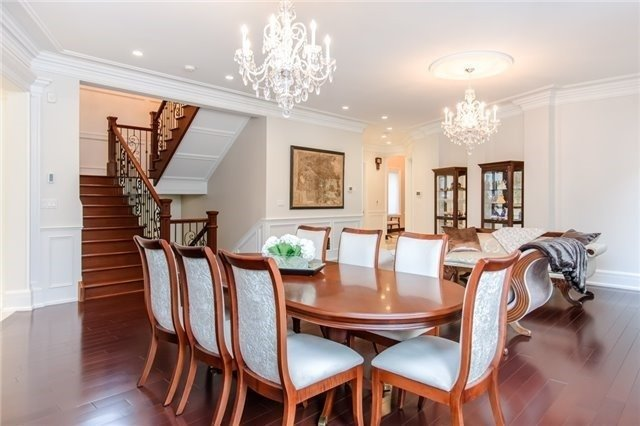 Detached at 1422 Crescent Rd, Mississauga, Ontario. Image 15