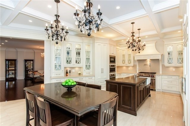 Detached at 1422 Crescent Rd, Mississauga, Ontario. Image 18
