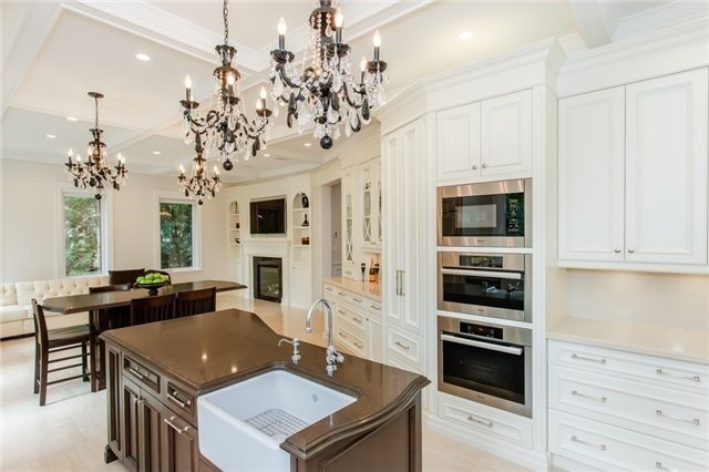 Detached at 1422 Crescent Rd, Mississauga, Ontario. Image 20