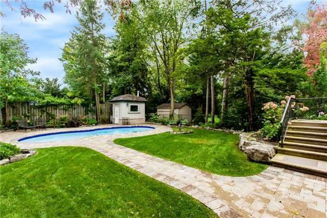 Detached at 1422 Crescent Rd, Mississauga, Ontario. Image 10