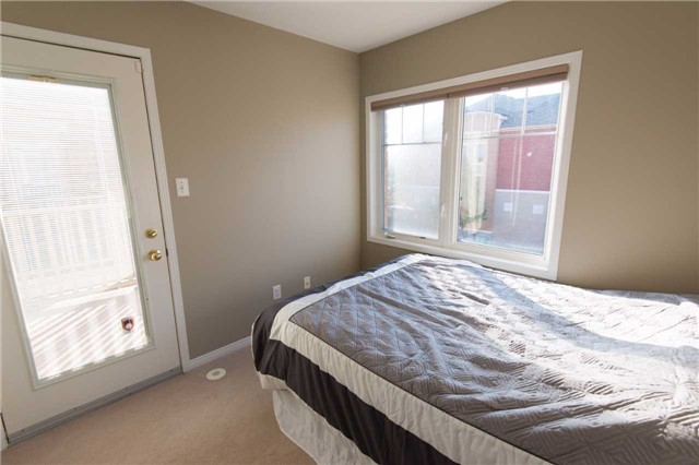 Condo Townhouse at 3975 Eglinton Ave W, Unit 11, Mississauga, Ontario. Image 9