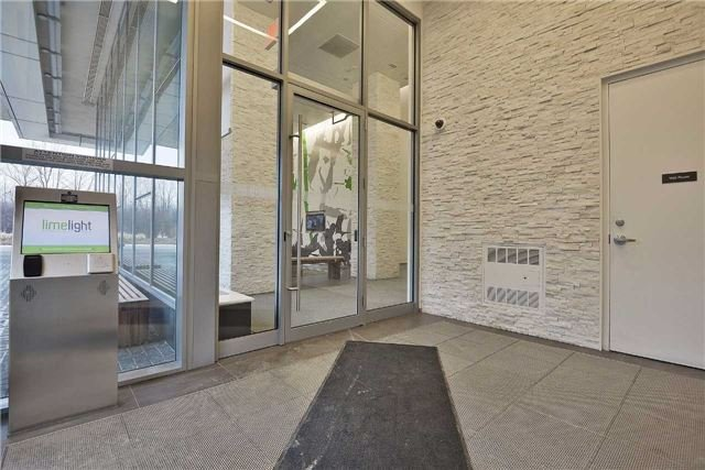 Condo Apartment at 360 Square One Dr, Unit 1706, Mississauga, Ontario. Image 6