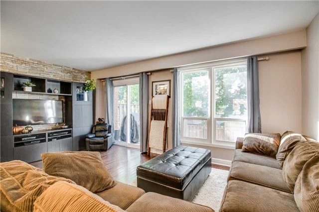 Condo Townhouse at 2445 Homelands Dr, Unit 50, Mississauga, Ontario. Image 14