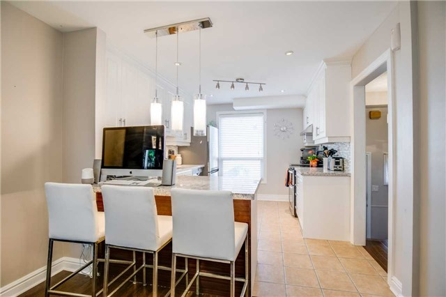 Condo Townhouse at 2445 Homelands Dr, Unit 50, Mississauga, Ontario. Image 17
