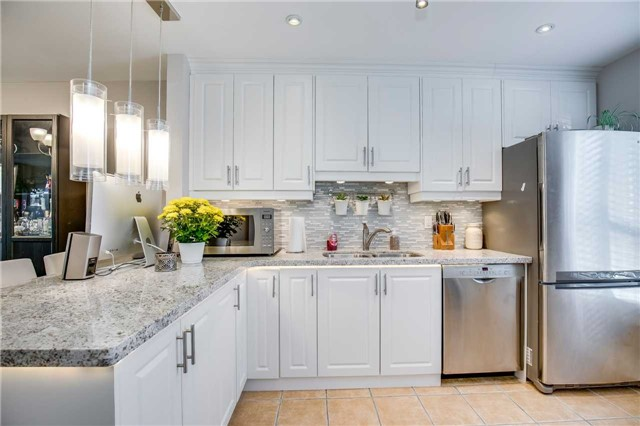 Condo Townhouse at 2445 Homelands Dr, Unit 50, Mississauga, Ontario. Image 19
