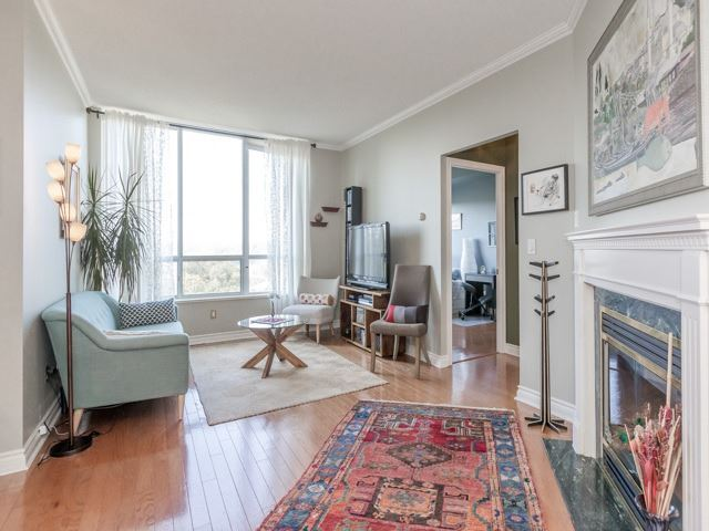 Condo Apartment at 1 Ripley Ave, Unit 808, Toronto, Ontario. Image 17
