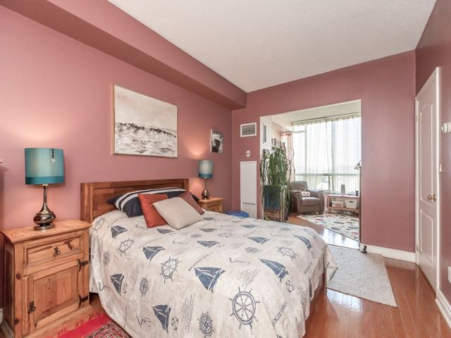Condo Apartment at 1 Ripley Ave, Unit 808, Toronto, Ontario. Image 10