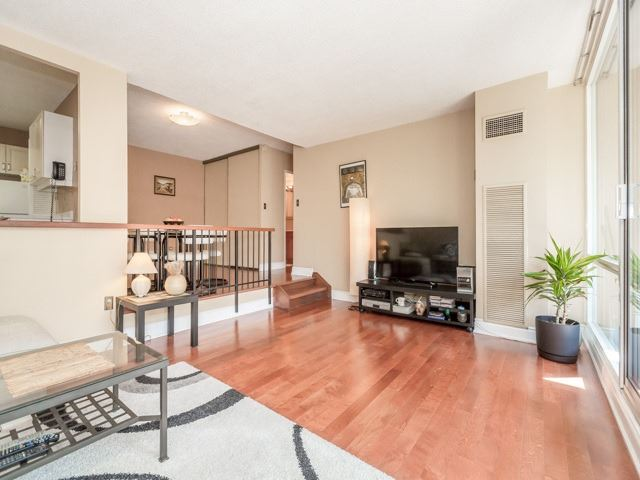 Condo With Common Elements at 240 Scarlett Rd, Unit 311, Toronto, Ontario. Image 12