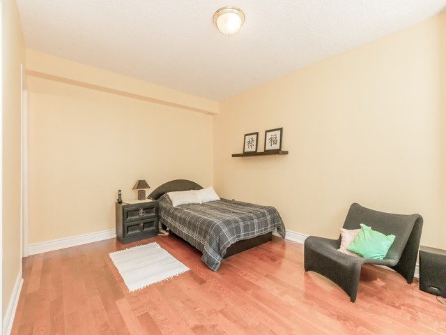Condo With Common Elements at 240 Scarlett Rd, Unit 311, Toronto, Ontario. Image 2