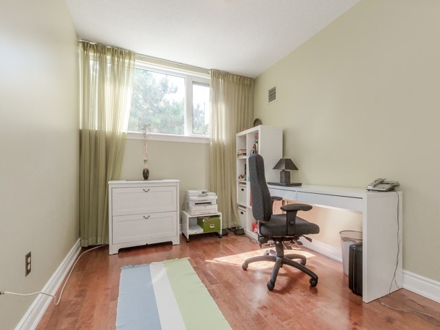 Condo With Common Elements at 240 Scarlett Rd, Unit 311, Toronto, Ontario. Image 6