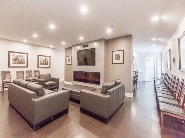 Condo With Common Elements at 240 Scarlett Rd, Unit 311, Toronto, Ontario. Image 11