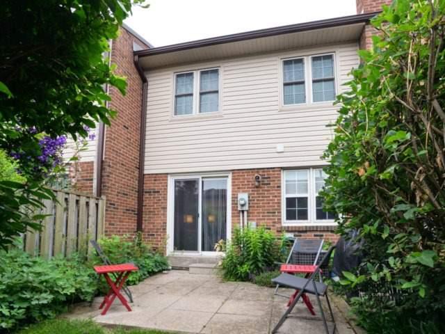 Condo Townhouse at 2120 Rathburn Rd E, Unit 92, Mississauga, Ontario. Image 9