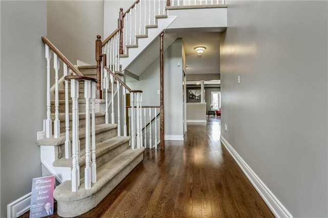 Detached at 1026 Easterbrook Cres, Milton, Ontario. Image 14