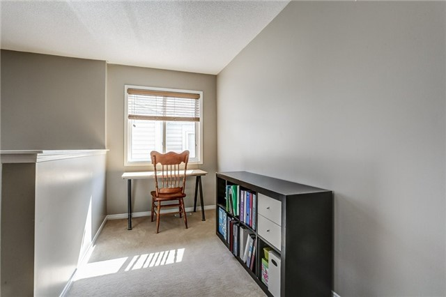 Detached at 1026 Easterbrook Cres, Milton, Ontario. Image 8
