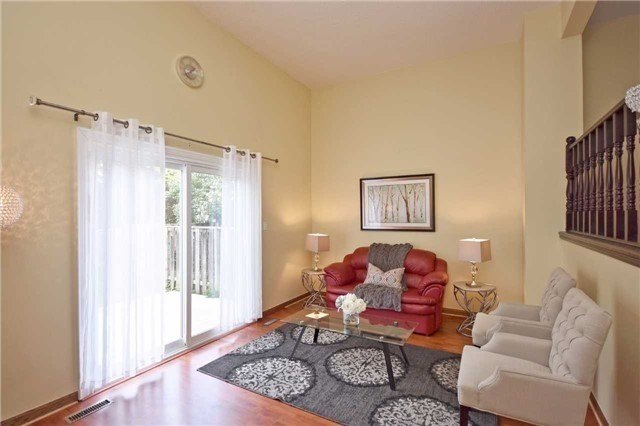 Condo Townhouse at 2075 Asta Dr, Unit 24, Mississauga, Ontario. Image 14