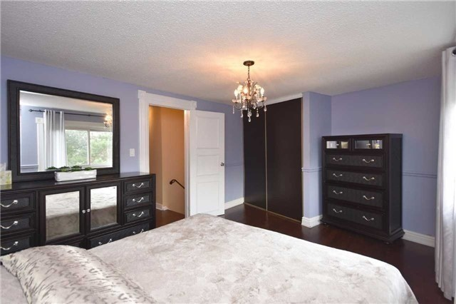 Condo Townhouse at 2075 Asta Dr, Unit 24, Mississauga, Ontario. Image 7