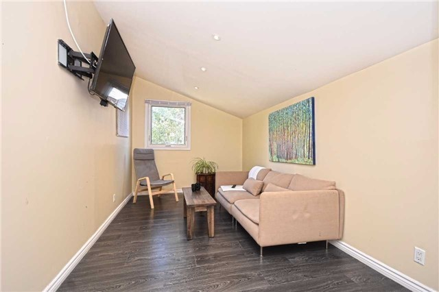 Detached at 362A Queen St S, Mississauga, Ontario. Image 4