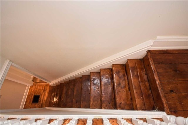 Detached at 362A Queen St S, Mississauga, Ontario. Image 7