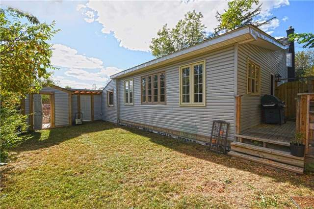 Detached at 362A Queen St S, Mississauga, Ontario. Image 10
