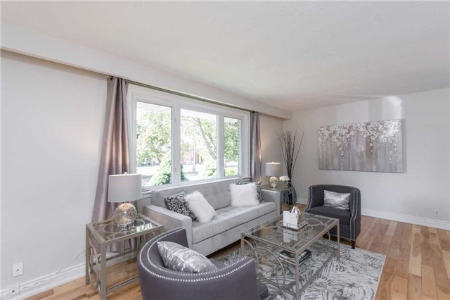 Detached at 175 Wincott Dr, Toronto, Ontario. Image 3