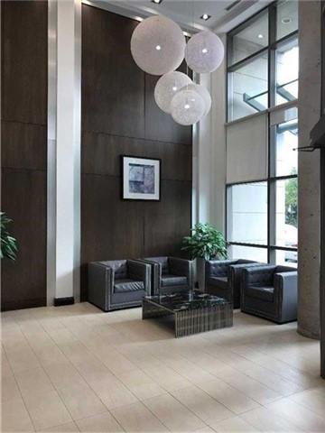 Condo Apartment at 3504 Hurontario St, Unit 608, Mississauga, Ontario. Image 2