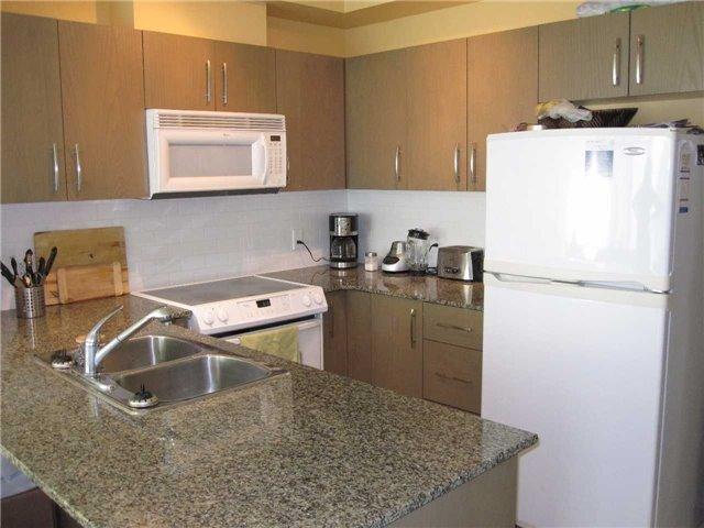 Condo Apartment at 3504 Hurontario St, Unit 608, Mississauga, Ontario. Image 4