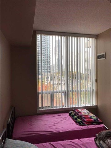 Condo Apartment at 3504 Hurontario St, Unit 608, Mississauga, Ontario. Image 5