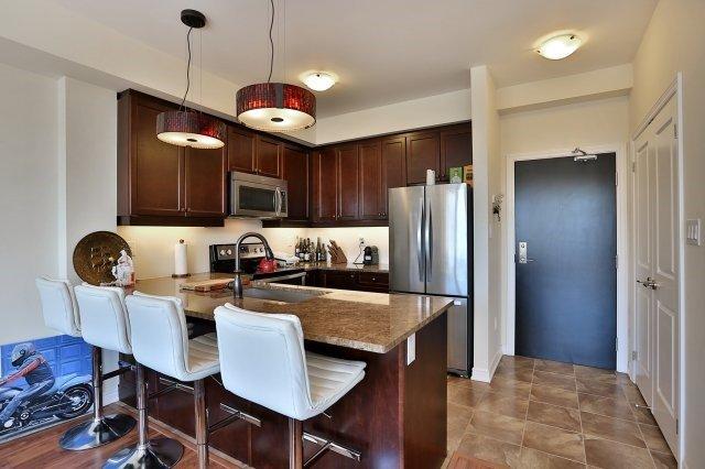 Condo Apartment at 2338 Taunton Rd, Unit 305, Oakville, Ontario. Image 14
