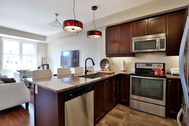Condo Apartment at 2338 Taunton Rd, Unit 305, Oakville, Ontario. Image 16