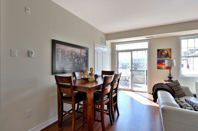 Condo Apartment at 2338 Taunton Rd, Unit 305, Oakville, Ontario. Image 19