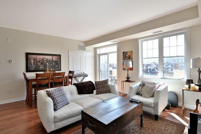 Condo Apartment at 2338 Taunton Rd, Unit 305, Oakville, Ontario. Image 3