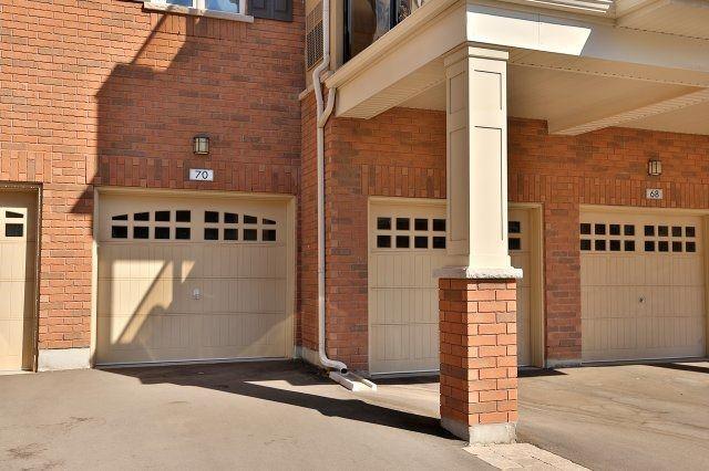 Condo Apartment at 2338 Taunton Rd, Unit 305, Oakville, Ontario. Image 13