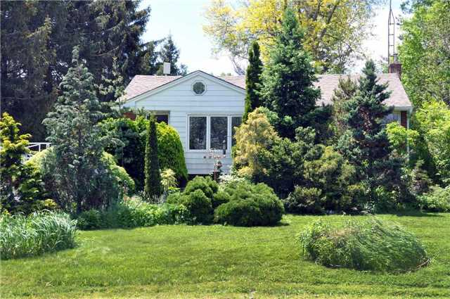 Detached at 7022 Guelph Line, Milton, Ontario. Image 1