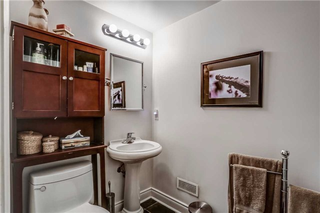 Detached at 7022 Guelph Line, Milton, Ontario. Image 19