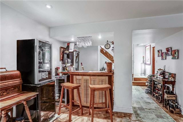 Detached at 7022 Guelph Line, Milton, Ontario. Image 2