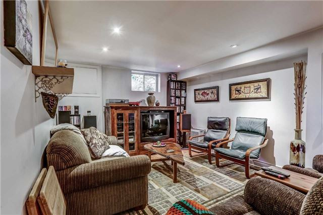 Detached at 7022 Guelph Line, Milton, Ontario. Image 3