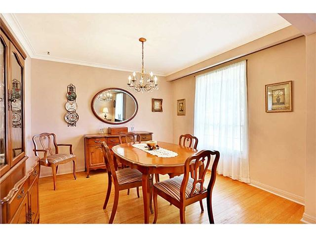 Detached at 548 Lani Cres, Burlington, Ontario. Image 11
