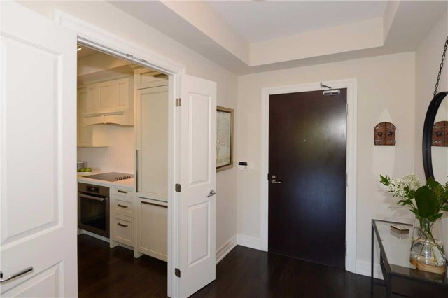Condo Apartment at 30 Old Mill Rd, Unit 406, Toronto, Ontario. Image 3