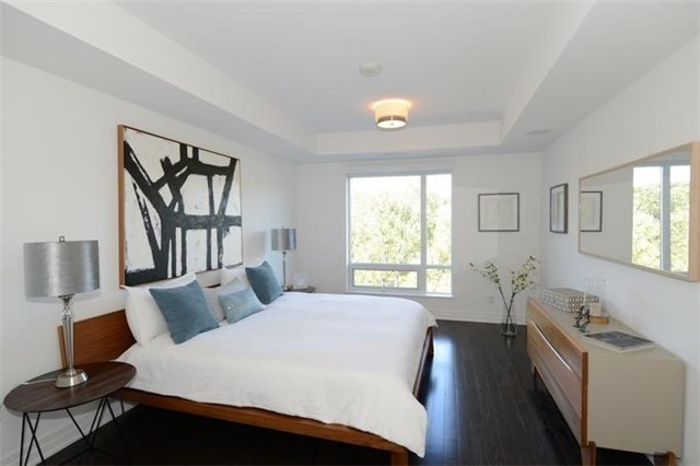 Condo Apartment at 30 Old Mill Rd, Unit 406, Toronto, Ontario. Image 4
