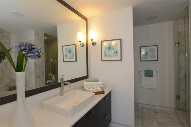 Condo Apartment at 30 Old Mill Rd, Unit 406, Toronto, Ontario. Image 5