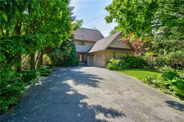 Detached at 3102 Lakeshore Rd W, Oakville, Ontario. Image 12