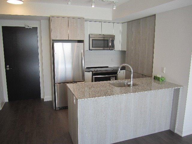 Condo Apartment at 9 Valhalla Inn Rd, Unit 1703, Toronto, Ontario. Image 12