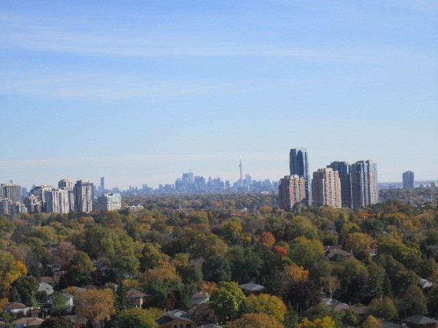 Condo Apartment at 9 Valhalla Inn Rd, Unit 1703, Toronto, Ontario. Image 19