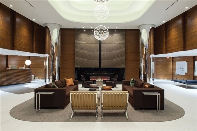 Condo Apartment at 9 Valhalla Inn Rd, Unit 1703, Toronto, Ontario. Image 3