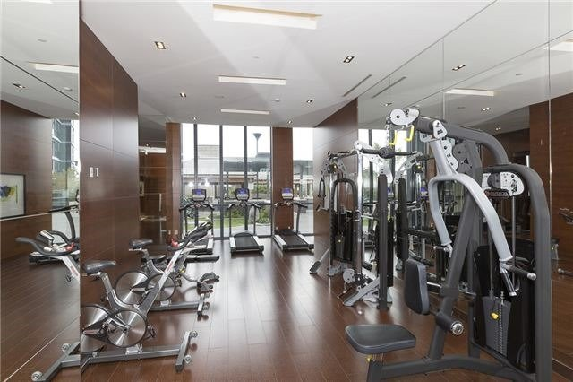 Condo Apartment at 9 Valhalla Inn Rd, Unit 1703, Toronto, Ontario. Image 4