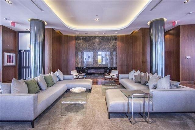 Condo Apartment at 9 Valhalla Inn Rd, Unit 1703, Toronto, Ontario. Image 7