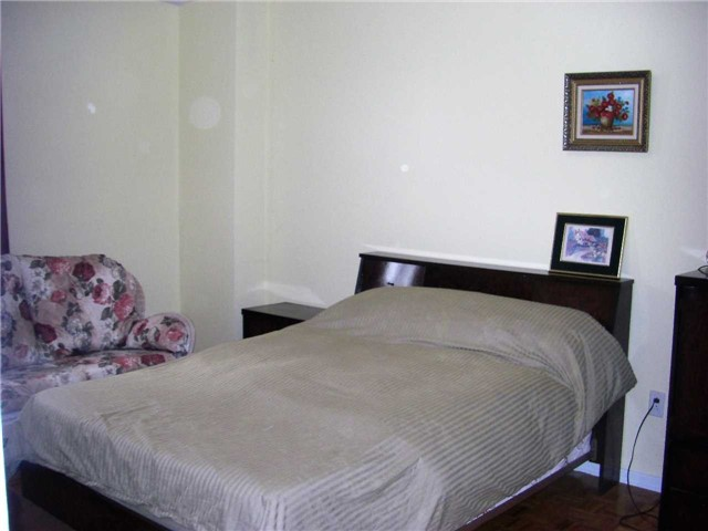 Condo Apartment at 551 The West Mall, Unit 1109, Toronto, Ontario. Image 4