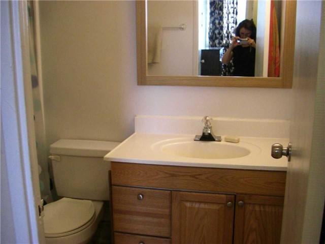 Condo Apartment at 551 The West Mall, Unit 1109, Toronto, Ontario. Image 11