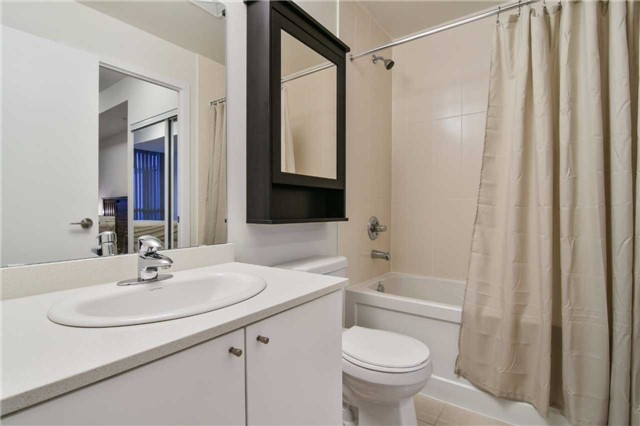 Condo Apartment at 3985 Grand Park Dr, Unit 2407, Mississauga, Ontario. Image 4