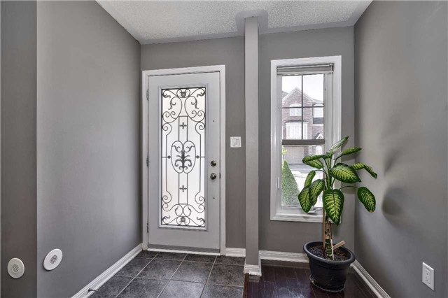 Townhouse at 913 Deverell Pl, Milton, Ontario. Image 11